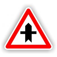 indicatoare pentru Intersectie cu un drum fara prioritate